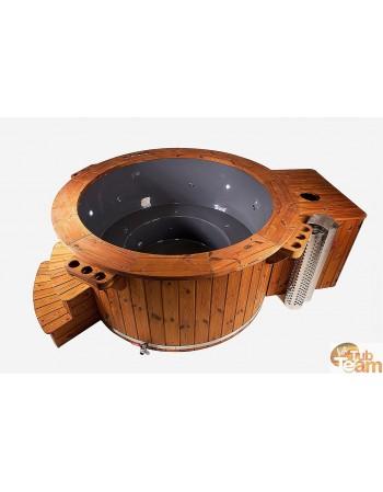 Geräumiger Whirlpool mit Massage