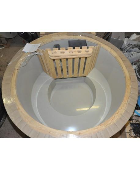 Sitzbänke  aus Kunststoff (geschlossene Bauart)